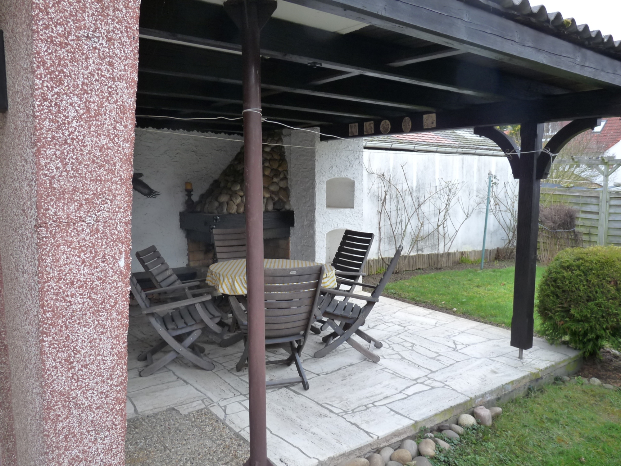 ***Gro�z�giges 1-2 Familienhaus***