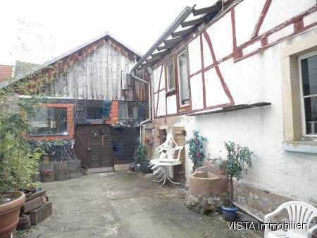 Bauernhaus & gro�e Scheune im H�chster Ortsteil Pfirschbach