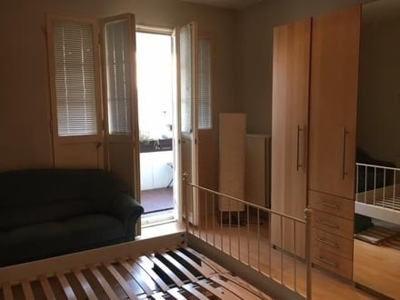Large room with balcony, short term sublet in Lankwitz