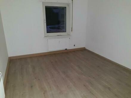 Schöne 2 Zimmer Wohnung Karlsruhe Innenstadt-West mit Kücke, Bad, WC und Abstellraun, 55 qm