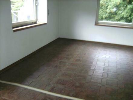 3 Zimmer Wohnung 1.OG 106 qm zu vermieten