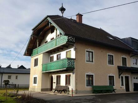 Großzügige 3 Zimmer Mansardenwohnung in sanierten Bauernhaus