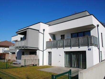 Neuwertige 2 Zimmer Wohnung mit Balkon