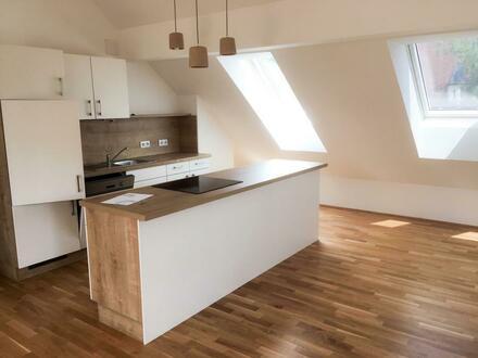 Wohlfühlambiente! Moderne 3 Zimmer Dachgeschosswohnung in Aigen