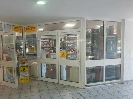 Shisha- und Lottoladen mit Tabakwaren und Videothek + Gebäude