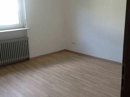 Freundliche 2-Zimmer-Wohnung mit EBK für Ältere Leute in Albersweiler