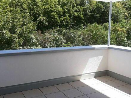 sehr helle 3 ZKB, Neubau, Balkon, Autoabstellplatz, 1. OG Bruchsal