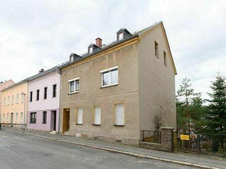 Ein- bis Zweifamilienhaus in ländlicher Stadtrandlage mit viel Platz zur Selbstverwirklichung