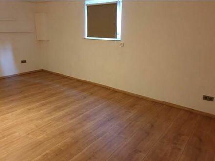 1-Zimmer Wohnung (Souterrain) mit Einbauküche