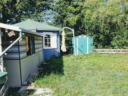 Verkaufe Camper, voll eingerichtet, auf großem Grund, incl. Schuppen m. Gartenutensilien