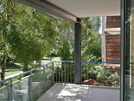 Schöne 2-Zi.-Wohnung mit Balkon + Wintergarten, EBK, Keller, Carport in Kornwestheim-Pattonville
