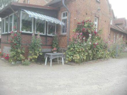 Vermiete 3-R-Wohnung im schönen Basedow