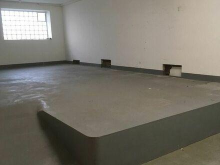 Halle / Atelier / Showroom in Ludwigshafen Süd mit kleinem Büro