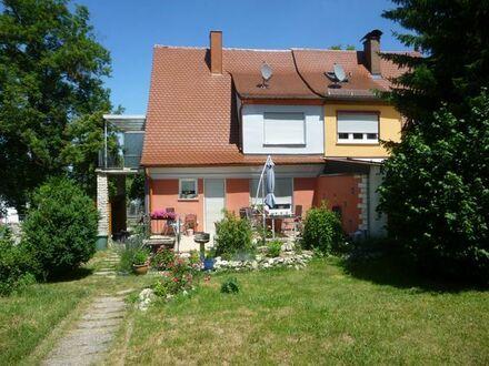kleine DHH in Nördlingen mit Garten und Garage zu vermieten
