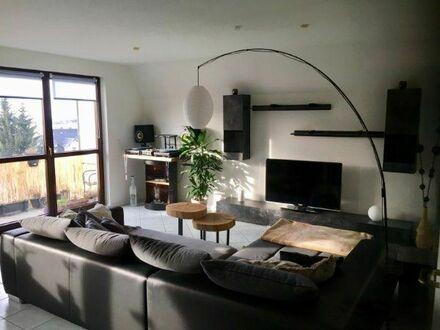 Moderne und helle Maisonettewohnung 2 Raum