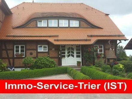 Einfamilienhaus, 250 qm Wfl., außergewöhnliches Grundstück mit 1000 qm