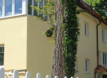 Helle 3,5-Zimmer-Wohnung mit Gartenanteil in Villenlage in Obermenzing