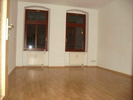 65,2 qm, 2-Zimmer-Wohnung, modern renoviert, Pkw-Stellplatz, Tageslichtbad, zentr. Lage, WG-geeignet