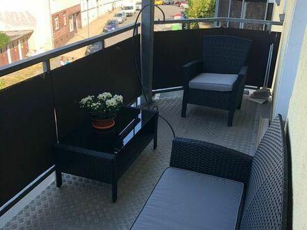 Möblierte 4 Zi Wohnung mit Balkon