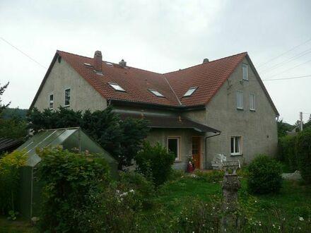 Großzügige 111 m2 Wohnung im EG mit eigenem Zugang + Garten
