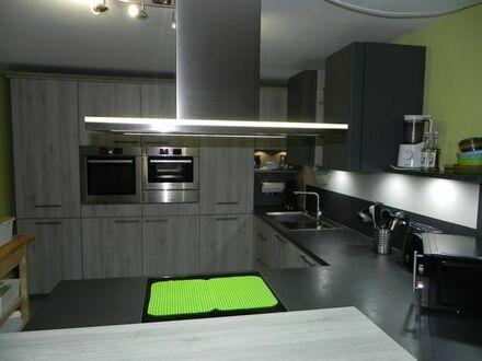 vermiete große 5- Zimmer-Wohnung in Kitzingen OT Hoheim
