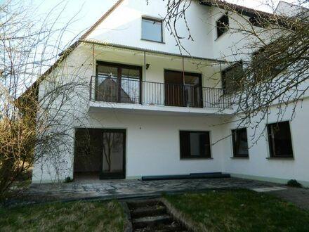 3,5-Zimmer EG Wohnung mit großer Terrasse und Garten