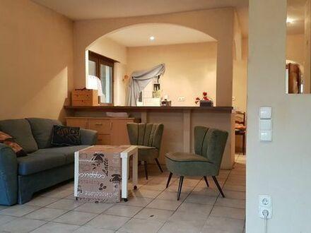 1 Zimmer mit großer Terrasse