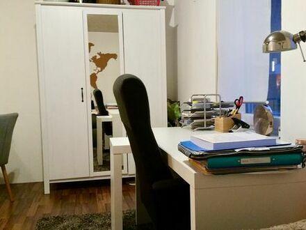 Gemütliche, renovierte 1- Zimmerwohnung in Mannheim-Neckarau