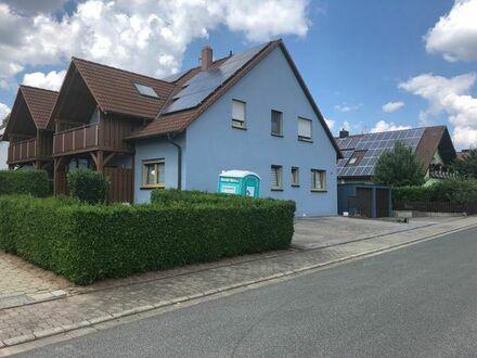 Von Privat, gemütliche drei Zimmer Wohnung im ersten OG in Markt Erlbach ab sofort zu vermieten