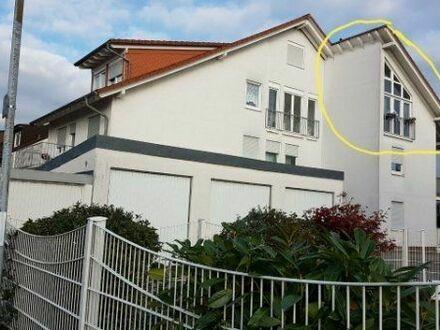 Ohne Makler - Halbseitige Dachgeschosswohung mit toller Aussicht