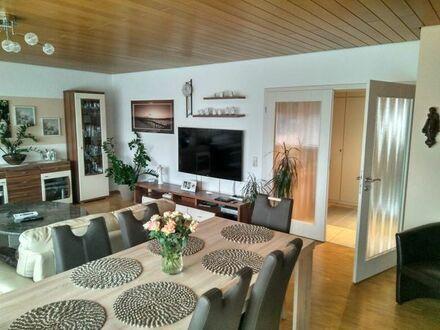 Gepflegte 3-Zimmer-Wohnung mit Balkon + Einbauküche in Karlsruhe