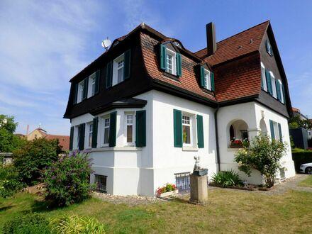 Historisches Schatzkästchen - Charmante Jugendstil-Villa - mit großem Garten in Wendlingen