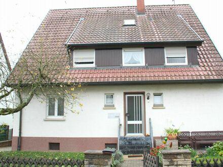 Viel Platz!! Viele Extras!! Einfamilienhaus m. ELW, Doppelgarage m.Grube,Balkon,Garten,Holzbackofen