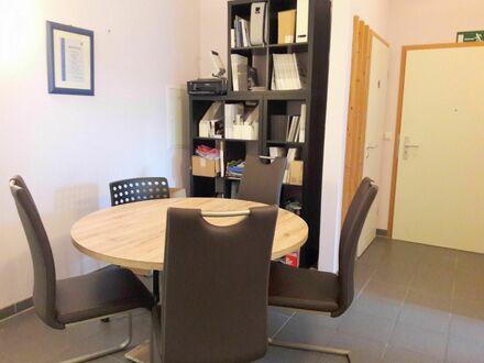 Was darf´s denn sein? 2-Zimmerwohnung, Praxis oder Büro? Zentral in Nürtingen gelegen!