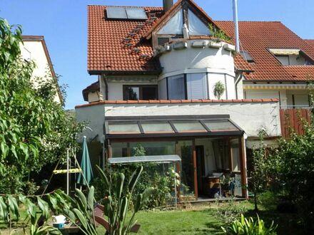 Tolle Doppelhaushälfte mit Einliegerwohnung, Sauna, Garten, Garage und Stellplatz