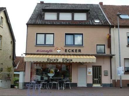 Homburg - Achtung Existenzgründer! - 2-Familienhaus mit gutgehendem Eiscafé in Homburg/Saar