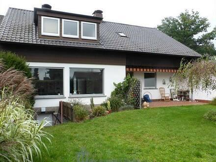 Homburg - Gepflegtes 1- bis 2-Familienhaus in schöner Stadtrandlage von Homburg