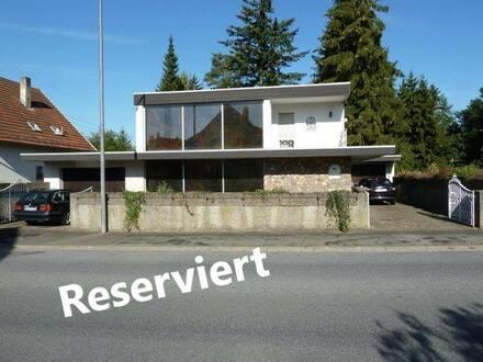 Homburg - Außergewöhnliches Architektenhaus in Stadtrandlage von Homburg