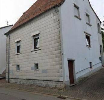 Schönenberg-Kübelberg - Freistehendes Ein- bis Zweifamilienhaus Nähe Schönenberg-Kübelberg