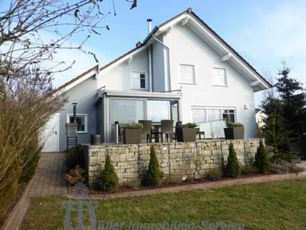 Homburg - Neuwertiges modernes Einfamilienhaus in bevorzugter Wohnlage von Homburg