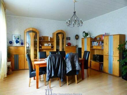 Homburg - Großzügiges toprenoviertes Wohnhaus mit Nebengebäude und Lagerfläche