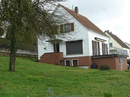 Homburg - Homburg: Freistehendes Einfamilienhaus mit Fernblick