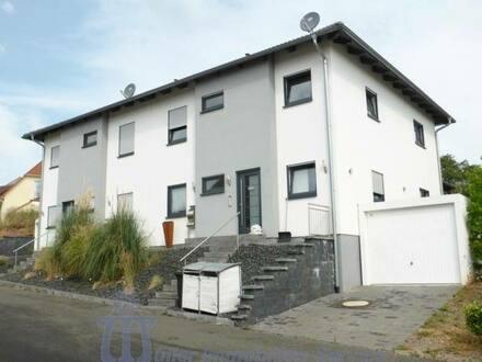 Waldmohr - Kapitalanlage: Exclusive moderne Doppelhaushälfte Nähe Waldmohr