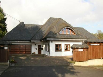 Herschbach (Oberwesterwald) - Gehobenes Anwesen, Haus mit Halle, Bürofläche u. PVA 36,72 kWp