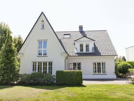 Meerbusch - Elegante Landhausvilla