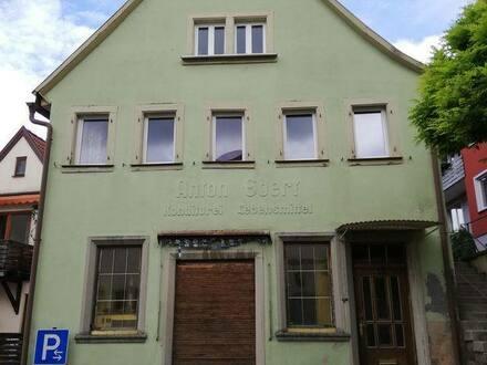 Arnstein - Haus in 97450 Arnstein mit Flair Stadtmitte alte Konditorei