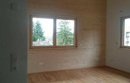 Häusern - Moderne und sonnige Dachgeschosswohnung zu vermieten