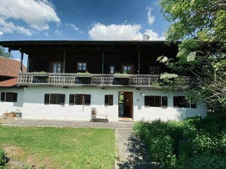 Reisbach - Stilecht saniertes Bauernhaus mit Scheune