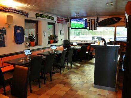 Hof - Wieder Schwung in die müden Glieder | Soccer Halle mit Top Rendite