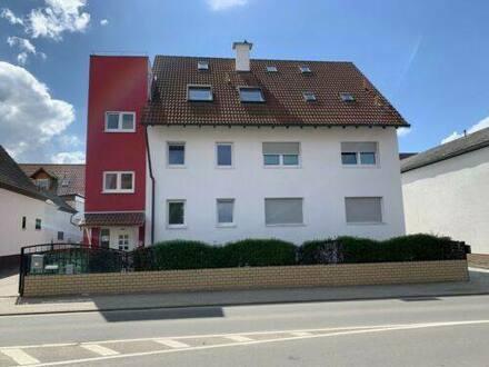 Meckenheim - Eigentumswohnung 4 Zimmer, Terrasse, Grundstück und Stellplätze